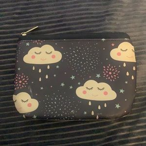 This is a cute little purse. Perfect for a little girl!